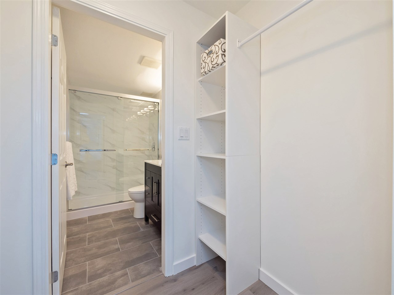 Condo Apartment at 211 1148 WESTWOOD STREET, Unit 211, Coquitlam, British Columbia. Image 14