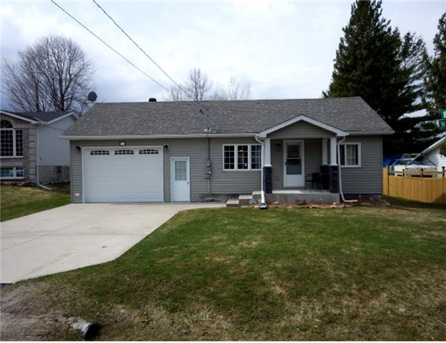 Detached at 402 West St, Tay, Ontario. Image 12