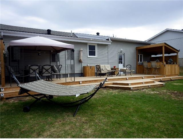 Detached at 402 West St, Tay, Ontario. Image 14
