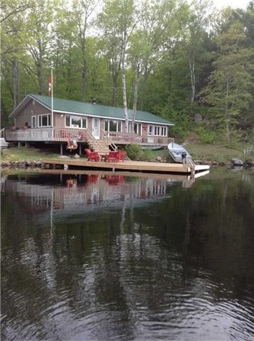 Cottage at 1765 Gloucester Pl, Severn, Ontario. Image 1