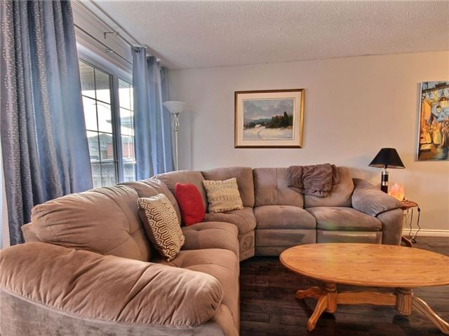 Detached at 34 Lucas Ave, Barrie, Ontario. Image 12