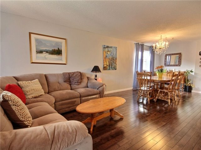 Detached at 34 Lucas Ave, Barrie, Ontario. Image 14