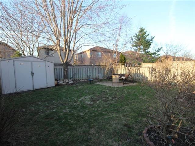 Detached at 34 Lucas Ave, Barrie, Ontario. Image 8