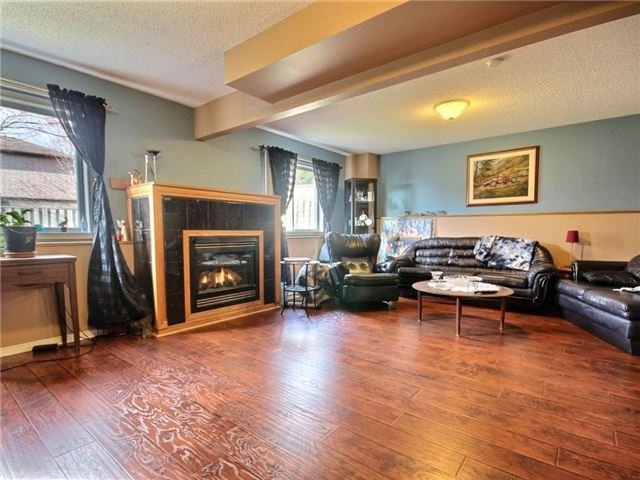 Detached at 34 Lucas Ave, Barrie, Ontario. Image 11