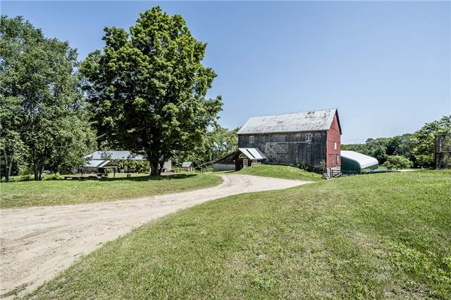 Detached at 2455 Ron Jones Rd, Tay, Ontario. Image 9