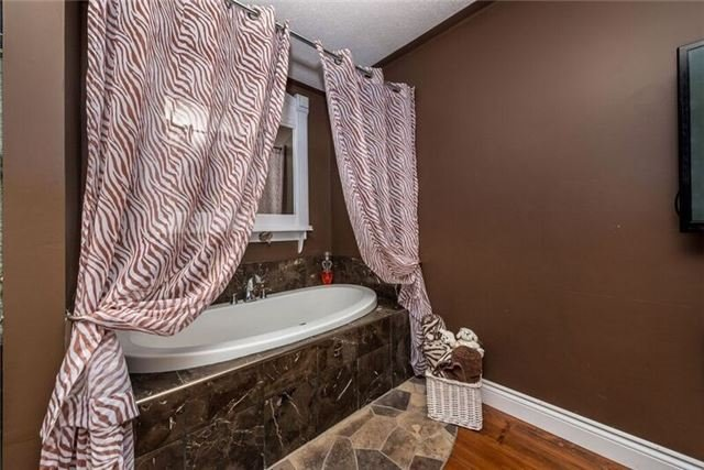Detached at 12 Cobblestone Rd, Tiny, Ontario. Image 3