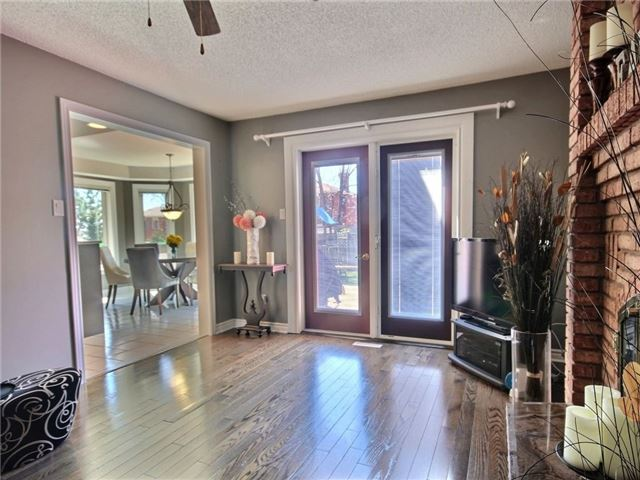 Detached at 22 Thackeray Cres, Barrie, Ontario. Image 14