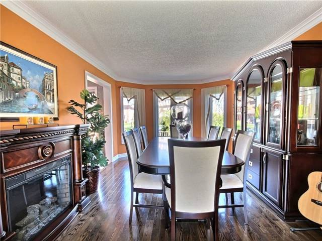 Detached at 22 Thackeray Cres, Barrie, Ontario. Image 15