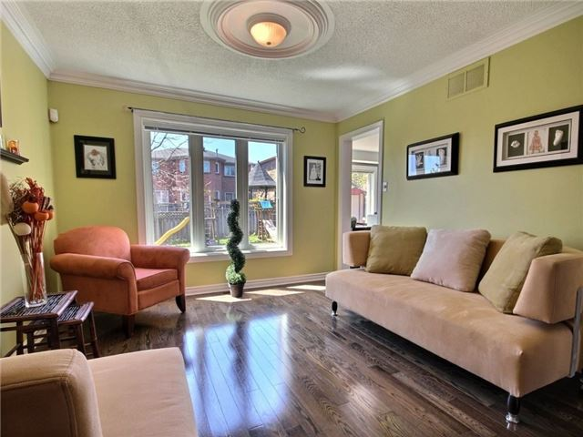 Detached at 22 Thackeray Cres, Barrie, Ontario. Image 17