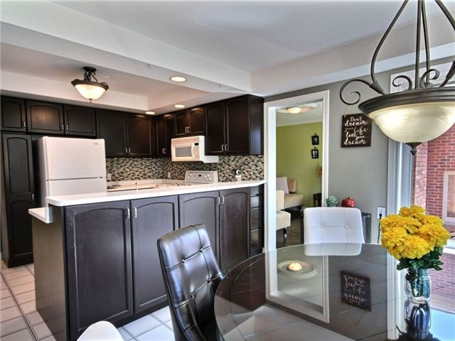 Detached at 22 Thackeray Cres, Barrie, Ontario. Image 19