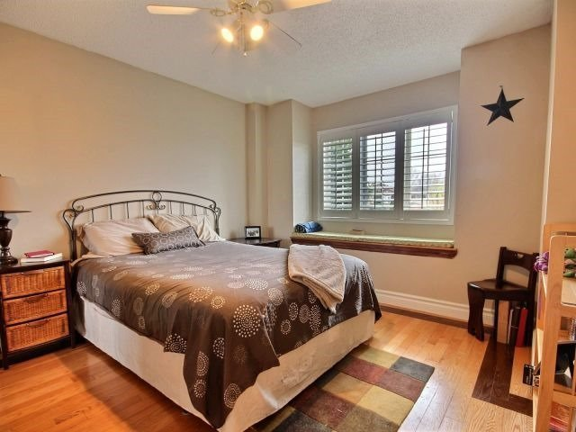 Link at 81 Rundle Cres, Barrie, Ontario. Image 6