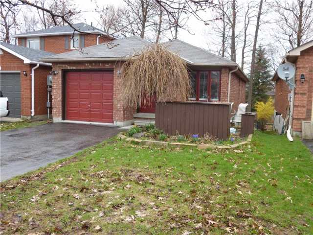 Detached at 38 Ferguson Dr, Barrie, Ontario. Image 1