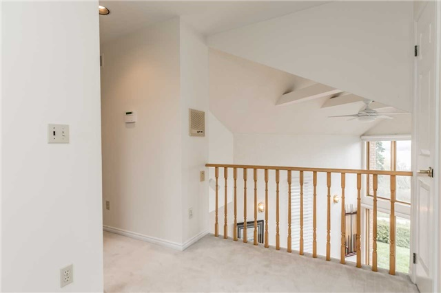 Detached at 77 Berczy St, Barrie, Ontario. Image 6