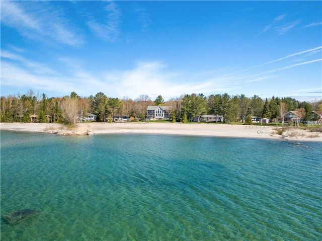 Detached at 1496 Tiny Beaches Rd N, Tiny, Ontario. Image 12