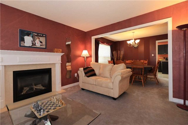 Detached at 63 Grant's Way, Barrie, Ontario. Image 16