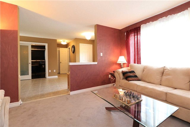 Detached at 63 Grant's Way, Barrie, Ontario. Image 17