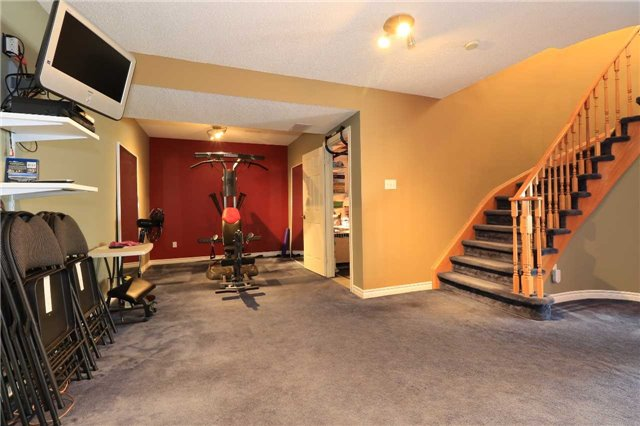 Detached at 63 Grant's Way, Barrie, Ontario. Image 2