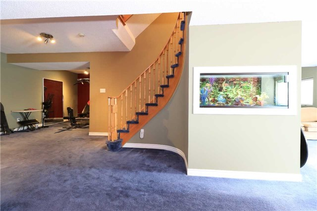 Detached at 63 Grant's Way, Barrie, Ontario. Image 3