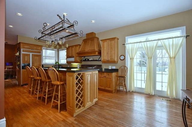 Detached at 7975 Poplar Sdrd, Clearview, Ontario. Image 16