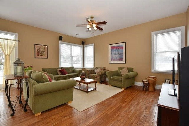 Detached at 7975 Poplar Sdrd, Clearview, Ontario. Image 2