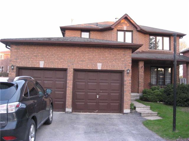 Detached at 301 Livingstone St W, Barrie, Ontario. Image 6