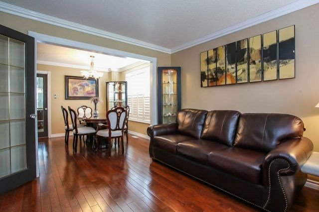 Detached at 101 Ward Dr, Barrie, Ontario. Image 16
