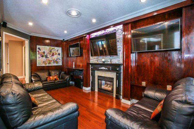 Detached at 101 Ward Dr, Barrie, Ontario. Image 17