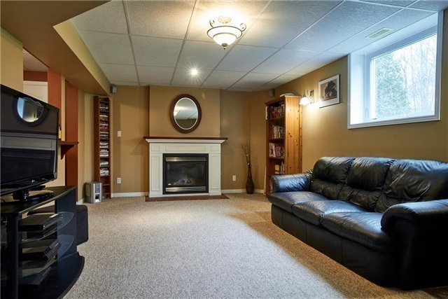 Detached at 2203 Concession 11 S, Clearview, Ontario. Image 4