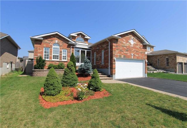 Detached at 100 Sproule Dr, Barrie, Ontario. Image 1