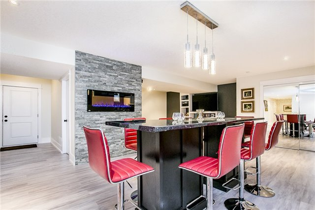 Detached at 46 Windfield Dr W, Oro-Medonte, Ontario. Image 7