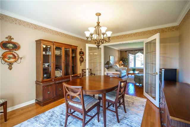 Detached at 23 Thackeray Cres, Barrie, Ontario. Image 14
