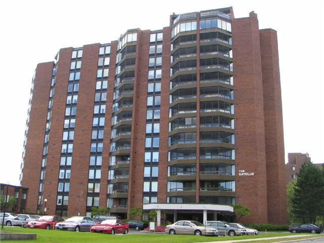 Condo Apartment at 181 Collier St, Unit 906, Barrie, Ontario. Image 1