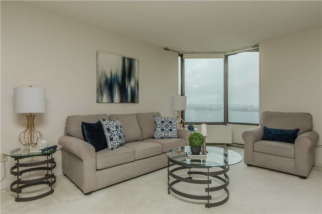 Condo Apartment at 181 Collier St, Unit 906, Barrie, Ontario. Image 14