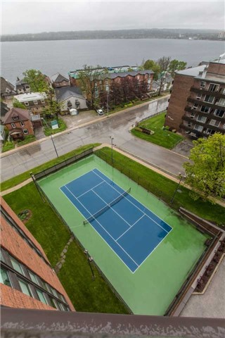 Condo Apartment at 181 Collier St, Unit 906, Barrie, Ontario. Image 13