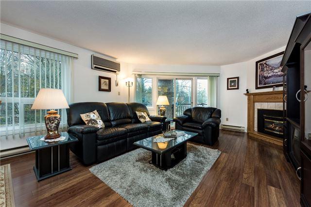 Condo Apartment at 166 Owen St, Unit 206, Barrie, Ontario. Image 2