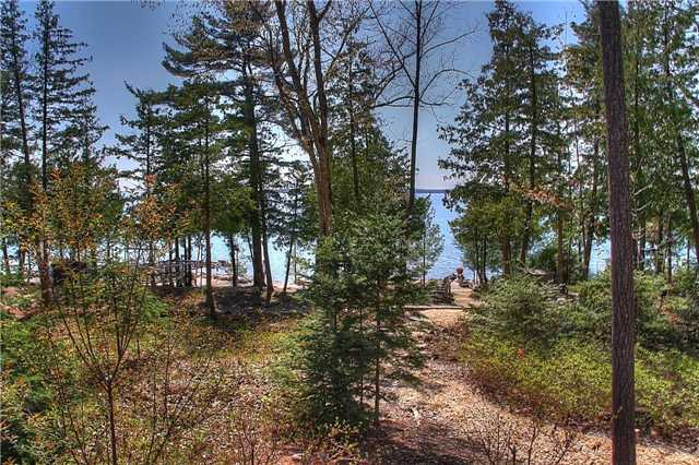 Detached at 286 Melissa Lane, Tiny, Ontario. Image 9