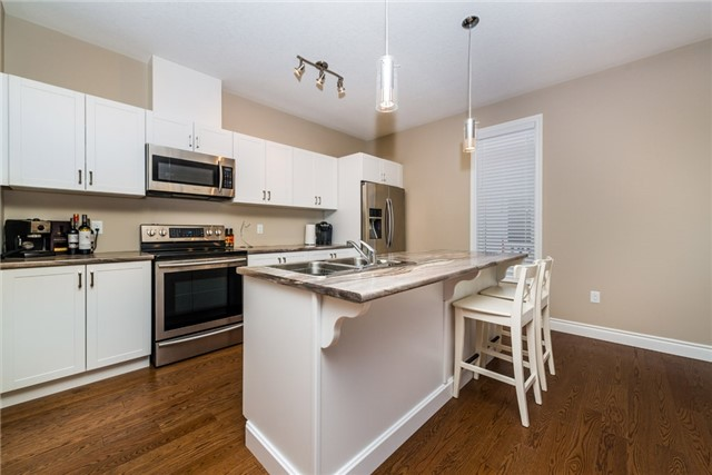 Detached at 39 Sheppard Dr, Tay, Ontario. Image 11
