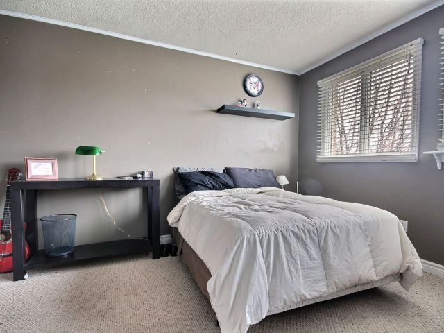 Detached at 524 Grove St E, Barrie, Ontario. Image 4