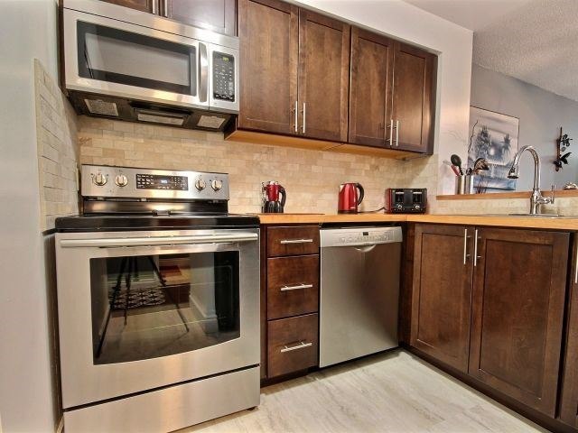 Condo Apartment at 150 Dunlop St E, Unit 604, Barrie, Ontario. Image 12