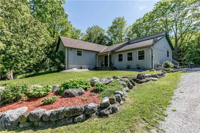 Detached at 10718 12 Highway Rd W, Oro-Medonte, Ontario. Image 1