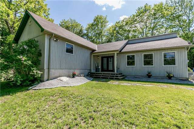 Detached at 10718 12 Highway Rd W, Oro-Medonte, Ontario. Image 14