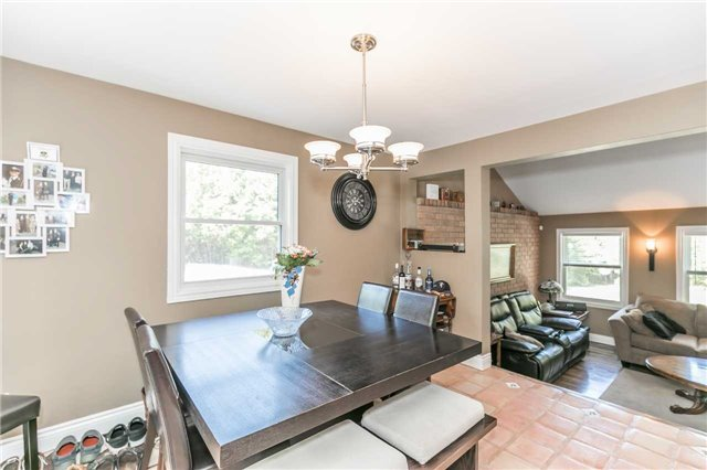 Detached at 10718 12 Highway Rd W, Oro-Medonte, Ontario. Image 19