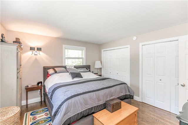 Detached at 10718 12 Highway Rd W, Oro-Medonte, Ontario. Image 3