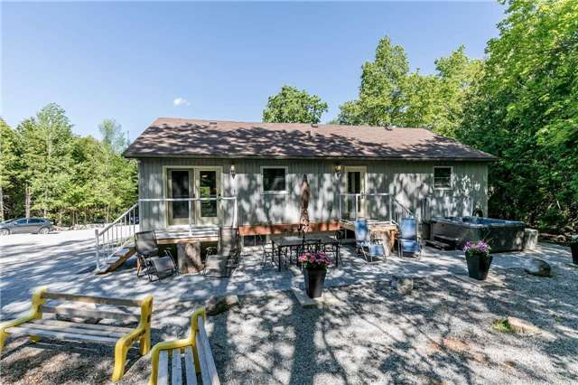 Detached at 10718 12 Highway Rd W, Oro-Medonte, Ontario. Image 7