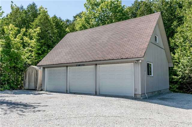 Detached at 10718 12 Highway Rd W, Oro-Medonte, Ontario. Image 10