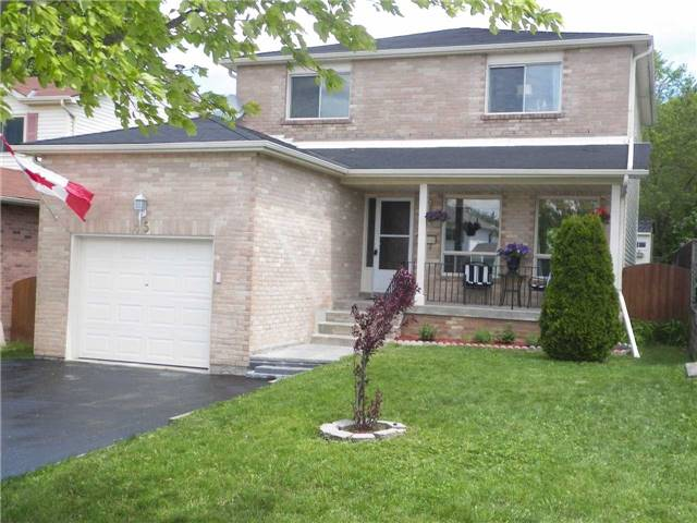 Detached at 45 Moon Dr, Barrie, Ontario. Image 1