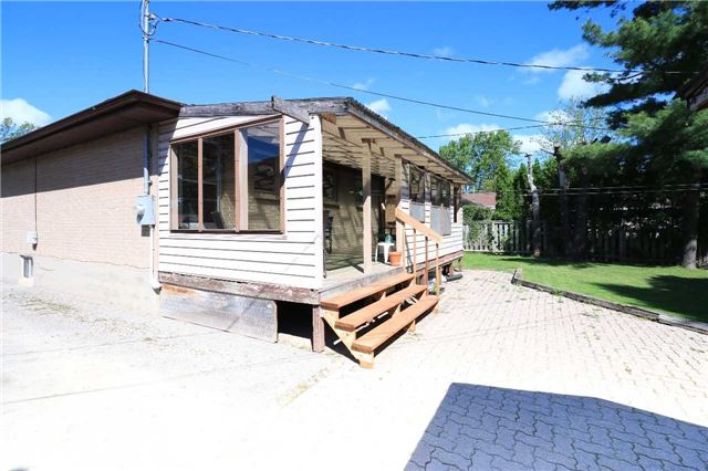 Detached at 63 Davidson St, Barrie, Ontario. Image 15