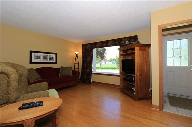 Detached at 63 Davidson St, Barrie, Ontario. Image 17
