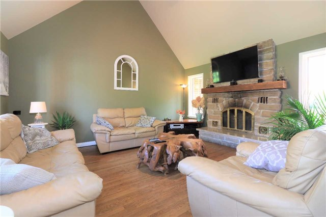 Detached at 5134 Hwy 26 Rd, Clearview, Ontario. Image 19