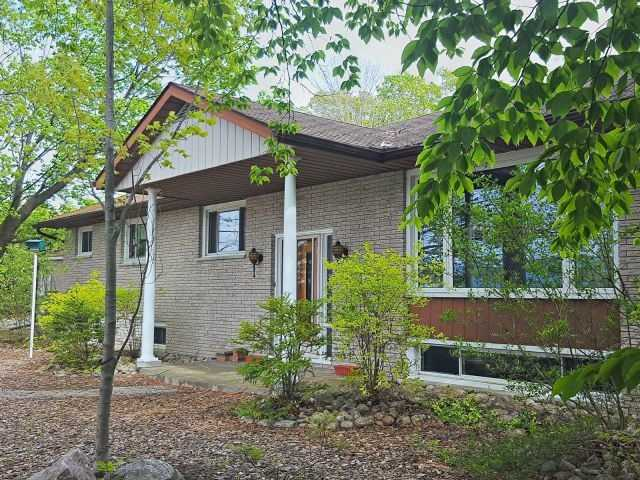 Detached at 1195 Sundowner Rd, Midland, Ontario. Image 12